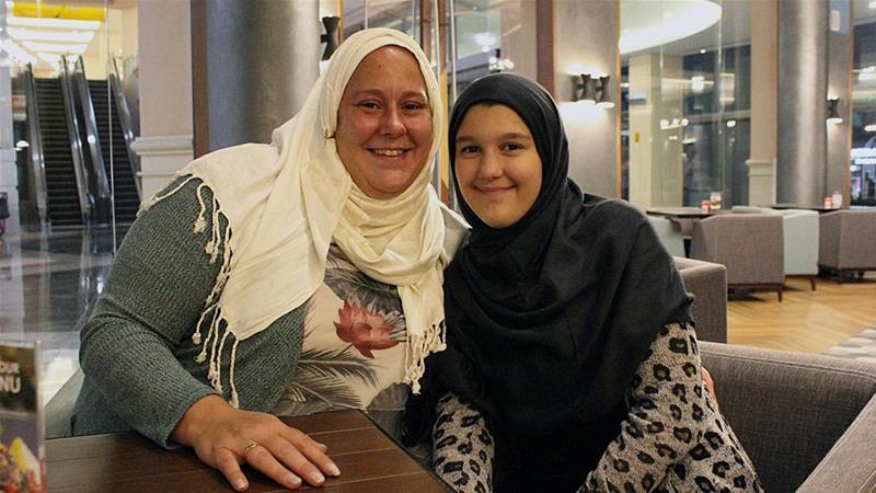 non-muslim hijab