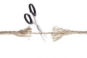scissors_cutting_threadbare_rope-290x193.jpg