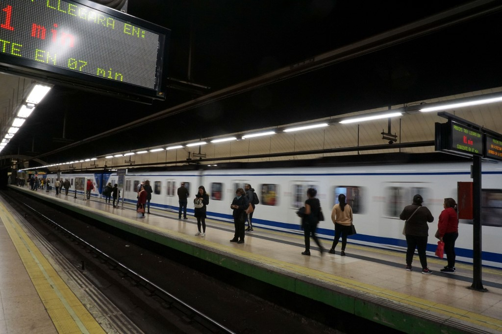 SPAIN-TRANSPORT-LIFESTYLE-METRO